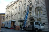 Awkward Access Hoist Services, awkward access, sofas through windows, furniture through windows, furniture through balcony,